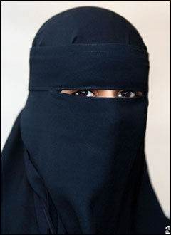 mariage - le mariage temporaire - Page 2 Niqab4